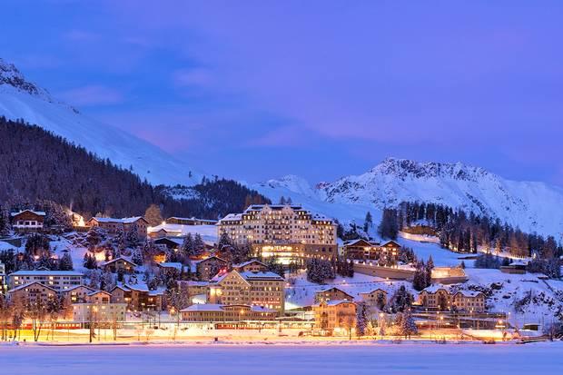 Ski Lovers Around The World Don T Miss It Voltage Converter Transformer 110 220 Volts