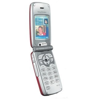 SONY ERICSSON DUAL BAND GSM 900/1800 UMTS AND 3G SYSTEM CELL PHONE - UNLOCKED