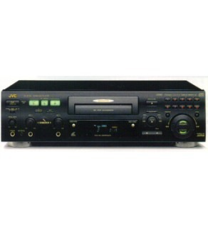 JVC Single Tray CD Player with direct song access 110-220 Volts